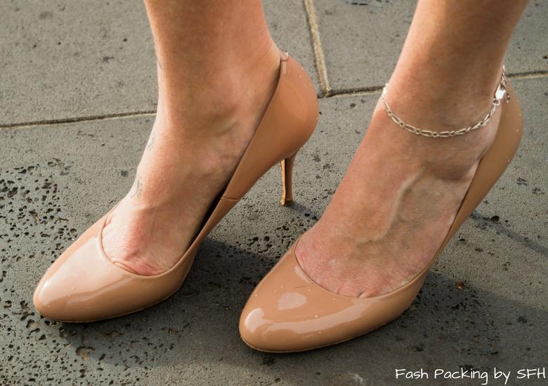 Fash Packing by Sydney Fashion Hunter: Fresh Fashion Forum 53 - Ruby Lace Dress - Shoes