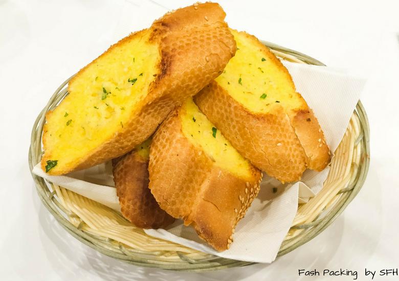 Fash Packing by SFH: Mercadante Wood Fired Pizzeria Melbourne - Garlic Bread