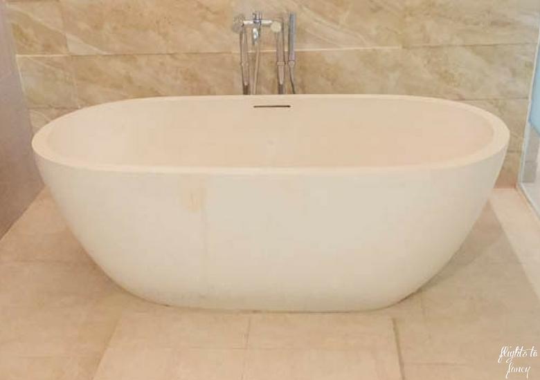 Flights To Fancy d'Nusa Beach Club & Resort_ Lembongan Luxury - Double Bath Tub