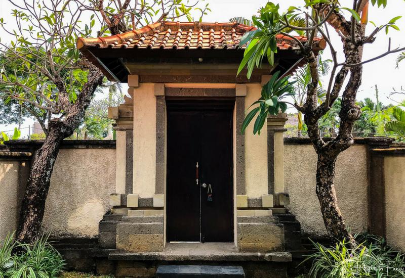 The Club Villas Seminyak: Entrance to our Bali villas Seminyak