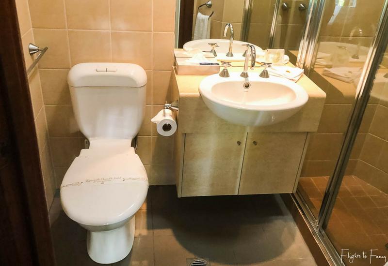 Palms City Resort Darwin Holiday Apartments Bathroom