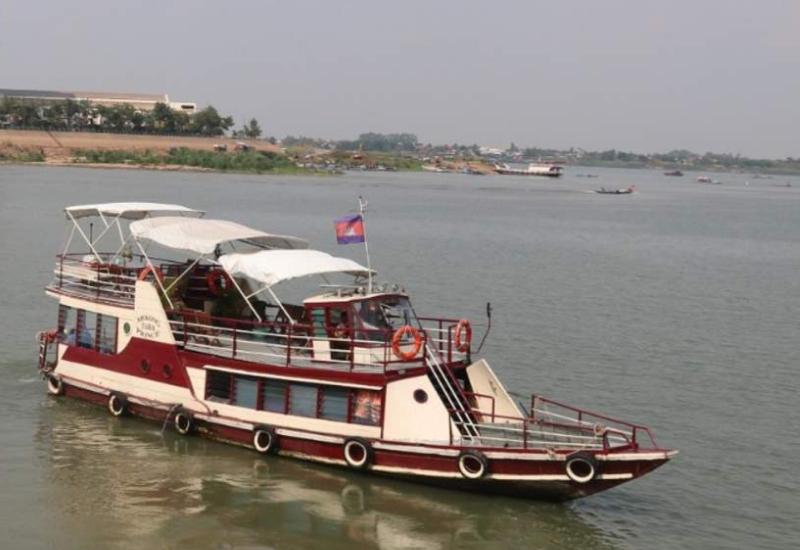 Transport in Phnom Penh - River Cruise