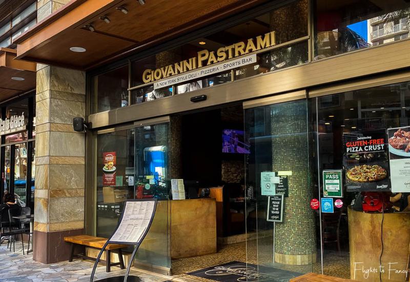Exterior Giovanni Pastrami Waikiki