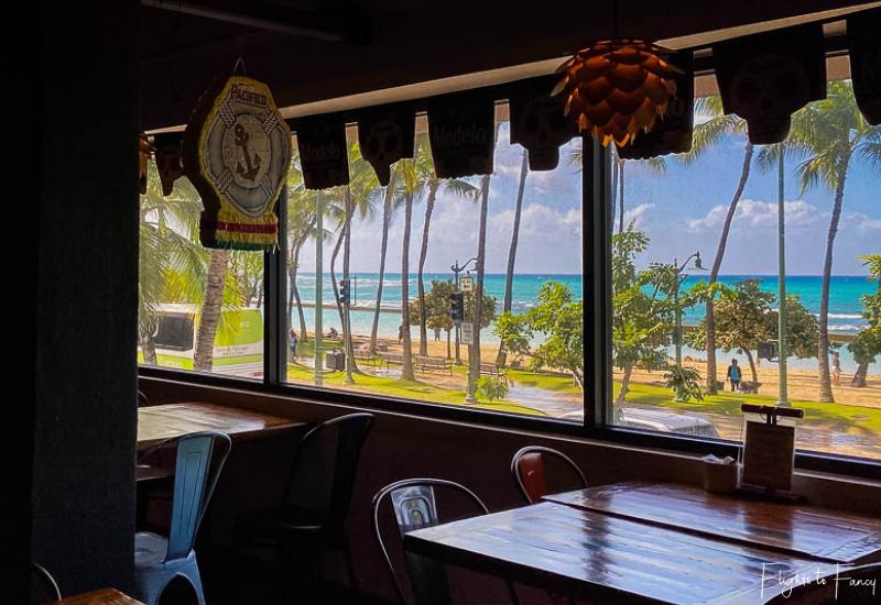 Waikiki Cheap Eats - OMG Dining Room View